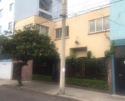 Excelente Casa Duplex Muy Bien Ubicada Con Uso De Suelo