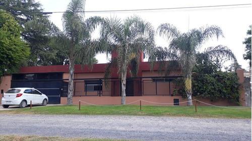 Imagen 1 de 12 de Casa - Pueblo Esther