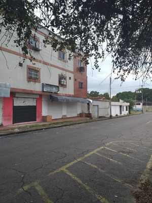 Se Alquila Oficinas En La Calle Bermudez Sector Centro Al01-0073cb-ah