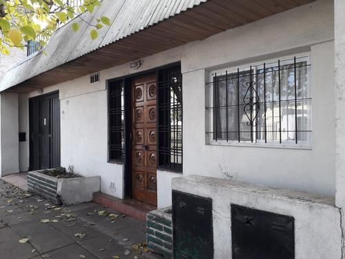 Moron Casa De Dos Dormitorios Of 1575