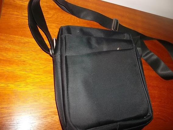Morral Cartera P/tablet Y Notebook Acolchada 5 Cierres Imper