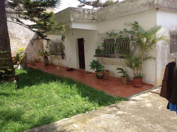 Se Vende Casa 800m2 3h/1b/1p El Junquito