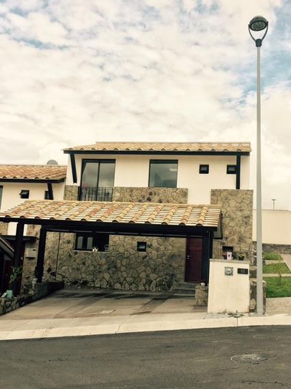 Casa En Renta Zibata Amueblada