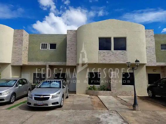 Townhouse En Villa Alianza