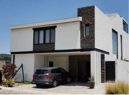 Hermosa Residencia En Venta En Los Robles En Guadalajara Deltro De Coto