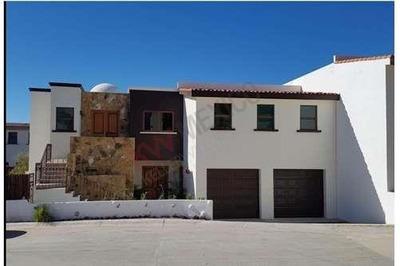 Hermosa Y Amplia Casa De 2 Pisos A La Venta En El Tezal Con Vista Al Arco De Cabo San Lucas