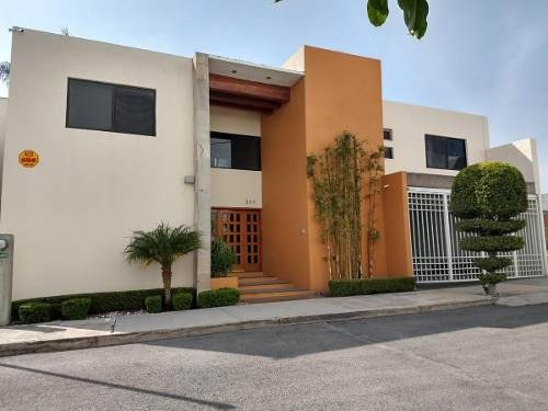 Renta O Venta/amplia Casa Con Jardín Y Jacuzzi / Privada La Mancha / Lomas Del Tecnologico