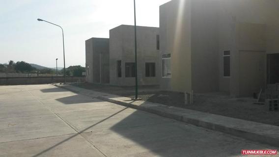 Townhouse En Conjunto Privado En Yaritagua