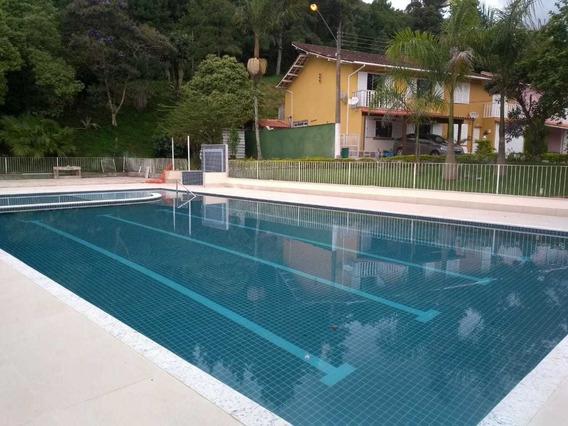 Casa Em Teresópolis - 4 Quartos - 5 Banheiros - Lazer Compl