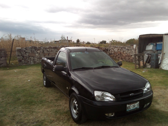 Camioneta Ford Courier Modelo 2012