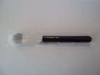 Brocha Mac 132 Duo Fibre Foundation Brush