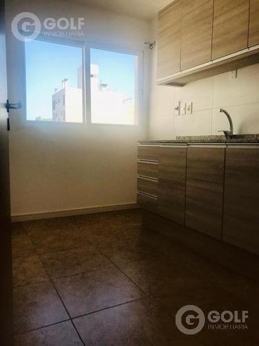 Se Vende Con Renta  Penthouse 2 Dormitorios. Centro. Garajes Opcionales.