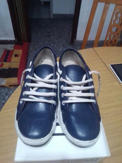 Zapatillas Marca G4 Azules Cuero Ecológico Con Muy Poco Uso