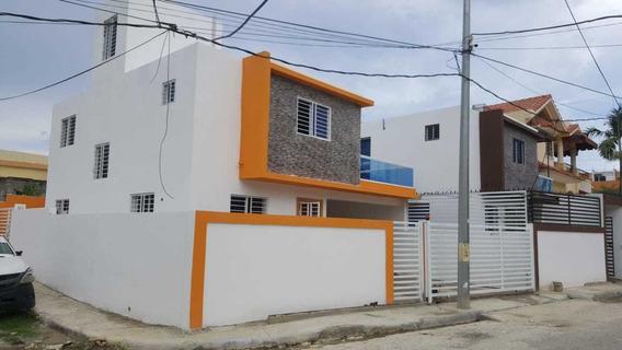 Inmobiliaria Tiburcio Vende Casas De 2 Niveles A Buen Precio
