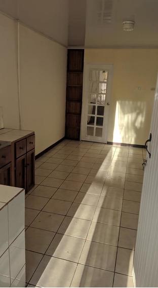Se Alquila Apartamento En San Antonio De Coronado.