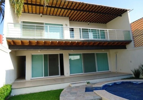 Casa Sola En Lomas De La Selva / Cuernavaca - Est-634-cs
