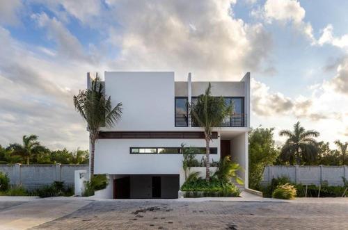 Imagen 1 de 5 de Residencial La Laguna I No.56 Puerto Cancun C2593