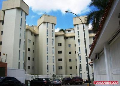 Apartamento En Alquiler. Codigo # 572