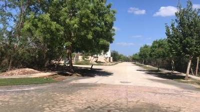 Yucatan Country Club. Privada Cutz 700m2 Divino Y Listo Para Venta