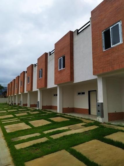 Townhouses, En Venta Cod,5470 Maria G Angulo 04144726307