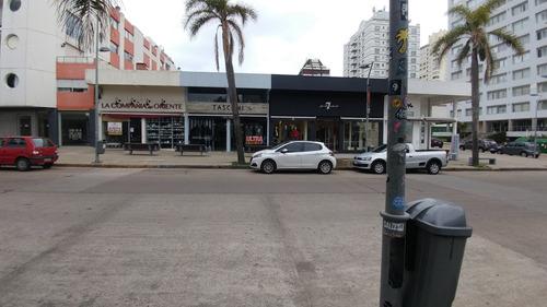 Local Sobre Calle 20