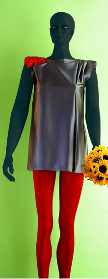Vestido Satén Gris Con Charretera