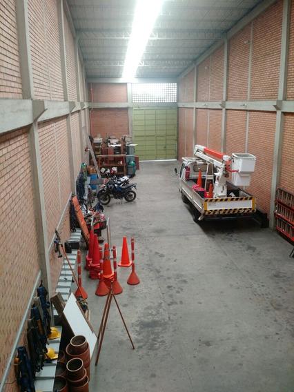 Bodega Oficina, Estación Centro Empresarial, Zona Industrial
