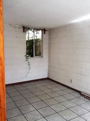 ¿villas Santin Ii¿ Cómoda Casa Para Remodelar, Consta De 4 R