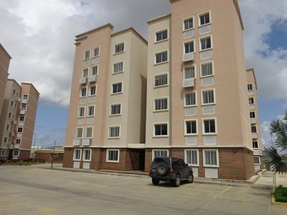 Apartamento En Alquiler Este Barquisimeto 20-800 Jcg