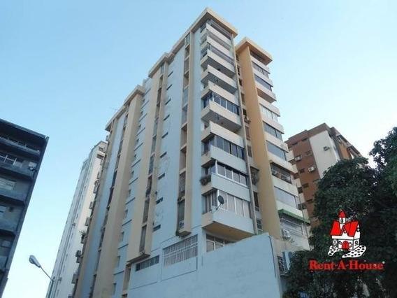 20-4423 Apartamento En Venta Av Las Delicias Maracay/ Wjo