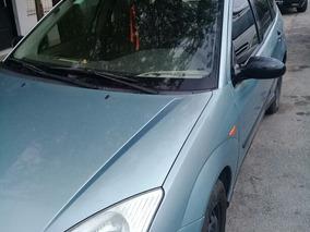Ford Focus 1.8 I Ghia 2000