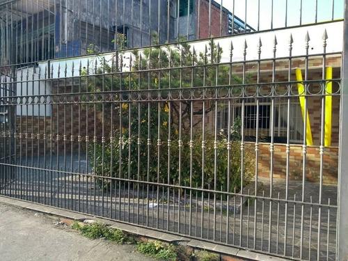 Casa Térrea Para Venda, 3 Dormitório(s), 92.0m² - 5825