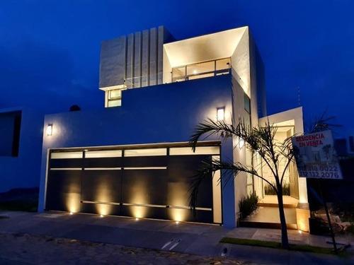 Casa Sola En Venta Res Santa Barbara