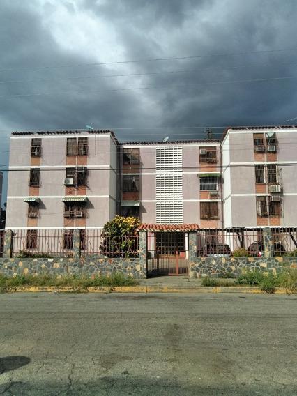 Apartamento En Venta Resd. Blandin Cagua.