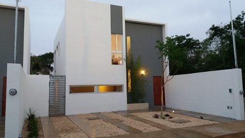 Venta De Casas Residenciales De Dos Niveles En Cholul