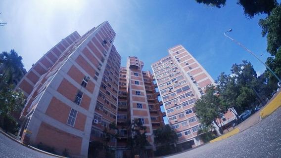 Apartamento En Venta Este De Barquisimeto 20-17182 Aj