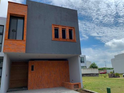 Imagen 1 de 12 de Casa De Lujo En Punto Sur 1 En Cluster