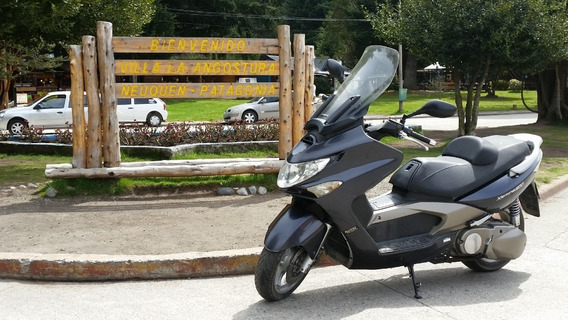 Kymco Xciting 500. Mega Scooter