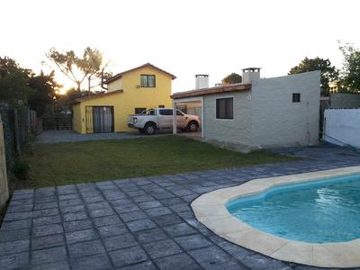 Casa C\ Barbacoa, Piscina, Amueblada, A 150mts De La Playa