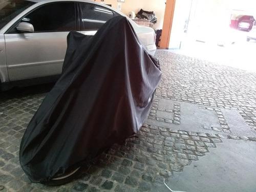 Imagen 1 de 4 de Cubre Motos En Pvc Con Base De Felpa Talle Mediano -carfun-
