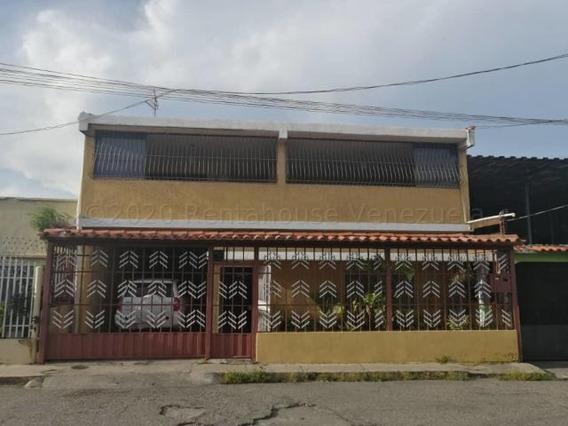 Casa En Venta Zona Centro Este Barquisimeto 21-7254 Zegm