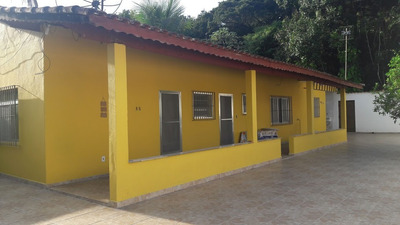 Casa Com Espaço No Quintal Em Itanhaém, 2 Quartos