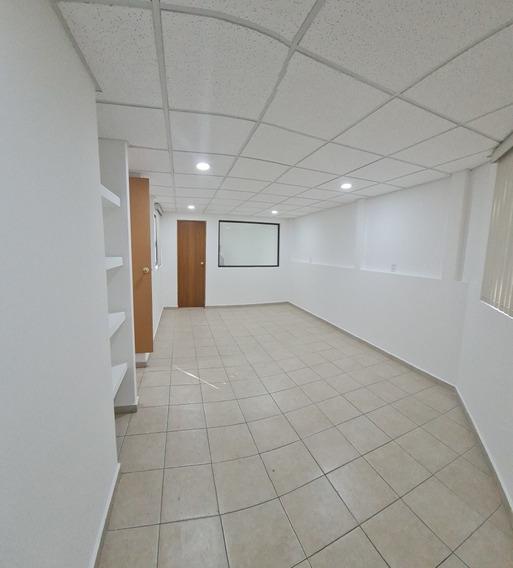 Bonita Oficina 45 M2 En 2 Piso Con 1 Balcones Y 1 Baños
