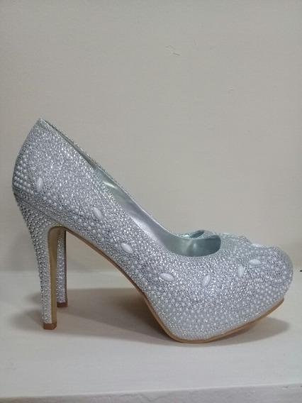 Zapato Plateado Con Perlas.