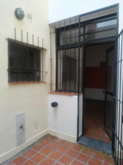 Casa De Pasillo Única En Venta 1 Dormitorio. Usd50000
