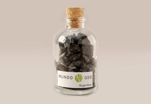 Imagen 1 de 1 de Colección En Vidrio Botella Con Turmalina Negra