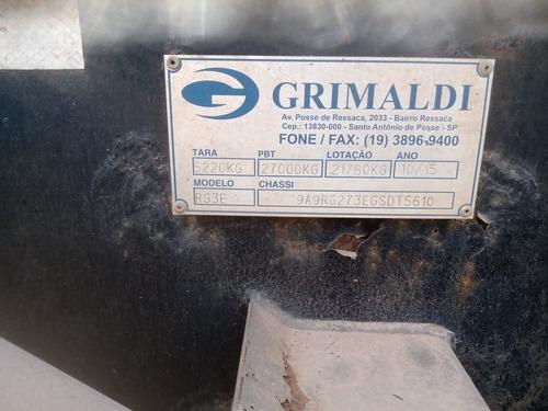 Imagem 1 de 11 de Grimaldi Três Eixos