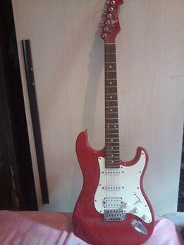 Guitarra Eagle + Pedaleira Kiko Loureiro G1nk