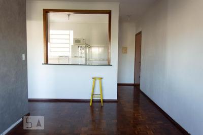 Apartamento No 3º Andar Mobiliado Com 1 Dormitório E 2 Garagens - Id: 892908623 - 208623