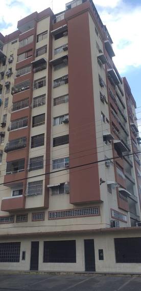 Economico Y Centrico Apartamento En La Coromoto 04243693700